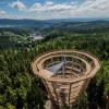 Vom Aussichtsturm hast du einen herrlichen Blick über das tschechische Riesengebirge.