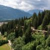 Der Baumwipfelpfad führt von Laax Murschetg nach Laax Dorf.