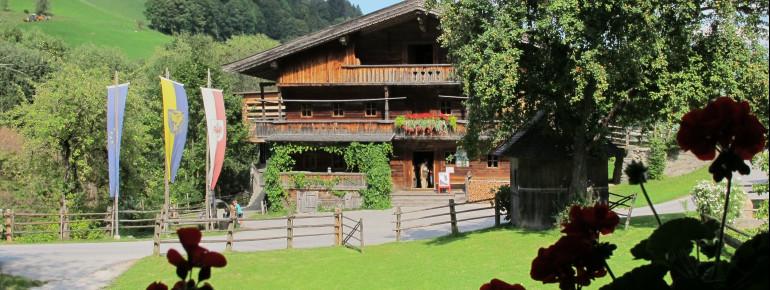 Das Museum im ehemaligen Bauernhof zeigt das frühere Bergbauernleben in der Wildschönau.