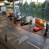 Die Plaza Fahrzeugachse in der BMW Welt