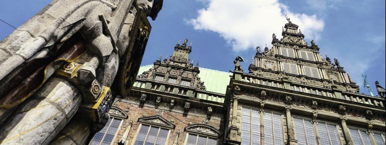 Zusammen mit dem Bremer Roland gehört das Rathaus zum UNESCO-Welterbe.