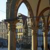 Der Bremer Roland steht mitten auf dem Marktplatz von Bremen.