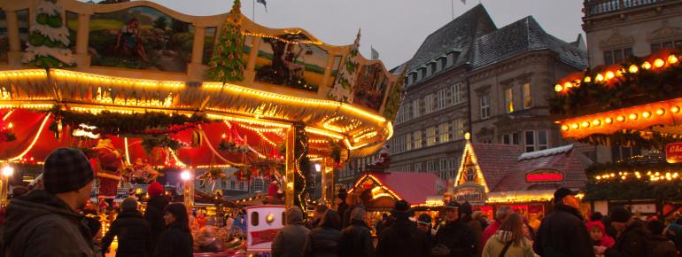 Auch ein das traditionelle Kinderkarussell darf auf dem Bremer Weihnachtsmarkt nicht fehlen.