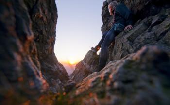 Verschiedene Themenpfade führen durch das Gebiet, von Fels zu Fels.