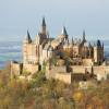 Die Gipfelburg Hohenzollern liegt auf 855 Metern Höhe.