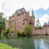 Wie es sich für eine mittelalterliche Burg gehört, wird auch die Burg Satzvey von Wasser umgeben.