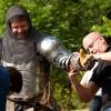 Wer ein echter Ritter sein will, der trägt natürlich Kettenhemd und Rüstung.
