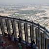 """Aussicht von der Plattform """"At the Top, Burj Khalifa"""" auf die Wüstenstadt Dubai"""