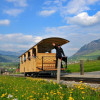 Von der Tal- bis zur Mittelstation fährst du heute noch mit der historischen Standseilbahn von 1893.