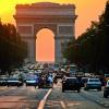 Die Champs Elysées endet am Triumphbogen.
