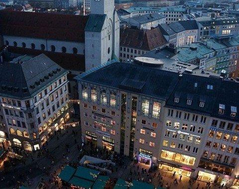 Der Weihnachtsmarkt vom Turm des Rathauses
