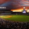 Coors Field bei Sonnenuntergang. Das Stadion ist aufgrund seiner Höhenlage eines der homerun-freundlichsten Baseballstadien überhaupt.