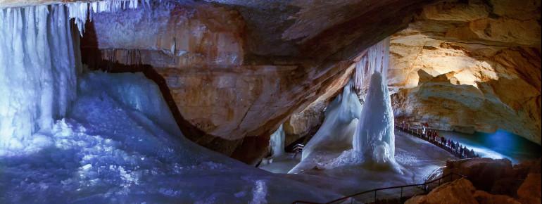 Diese gigantischen Eisformationen befinden sich im Inneren des Dachsteinmassivs.