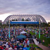 Die Sommerkonzerte der Denver Botanic Gardens erfreuen sich größter Beliebtheit bei Einheimischen Denvers und Besuchern.