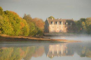 Zahlreiche Sagen ranken sich um das Schloss Comper.