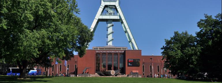 Blick von außen auf das Deutsche Bergbaumuseum.