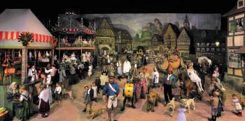 Die Thüringer Kirmes ist das bekannteste Ausstellungsstück des Deutschen Spielzeugmuseums.