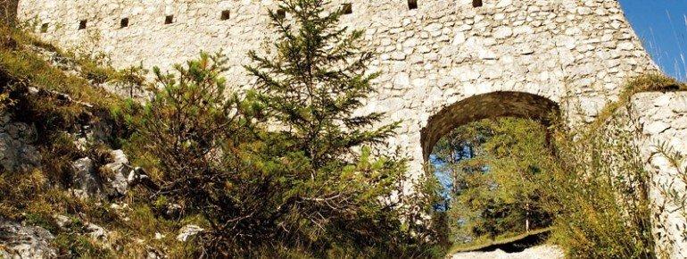 Die Ruine der Grenzfeste Porta Claudia lässt uns heute nur erahnen, wie imposant sie einmal gewesen ist.