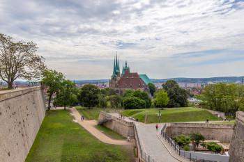 Blick von der Zitadelle Petersberg auf Dom St. Marien und St. Severi