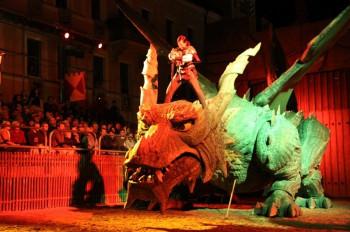 Jährlich im August finden die Drachenstich-Festspiele in Furth im Wald statt.