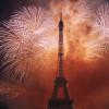 An Silvester wird der Eiffelturm groß in Szene gesetzt.
