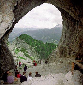 Der Höhleneingang liegt auf 1.641 Metern