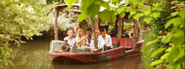 Erlebe Afrikas Tierwelt aus einer ganz anderen Perspektive und zum Greifen nah bei einer Bootsfahrt auf dem Sambesi.