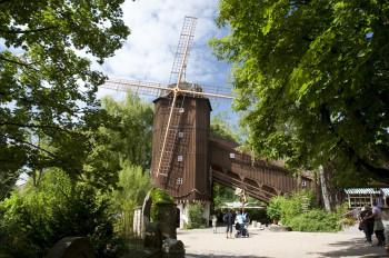 Mit dem Bau der Altweibermühle wurde 1929 der Grundstein für den Erlebnispark gelegt.