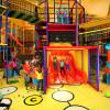 Spielmöglichkeiten ohne Grenzen auf 1.000 qm und ein knapp acht Meter hoher Murmelturm im wetterfesten Gaudi-Viertel