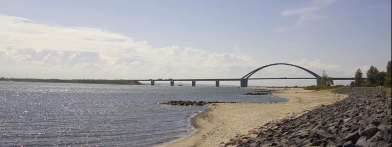 Die Brücke verbindet Fehmarn mit dem schleswig-holsteinischen Festland.