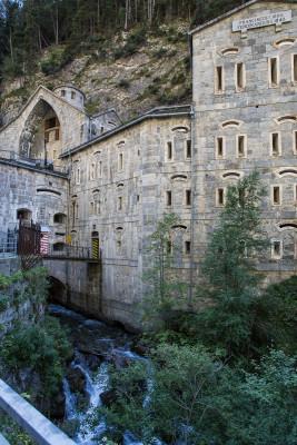 Die Festung wurde direkt in den Fels gebaut.