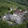 Hier siehst du die Festungsruine Hohenneuffen von oben.