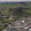 Die Festungsruine befindet sich auf einem Hügel über der Stadt Singen.