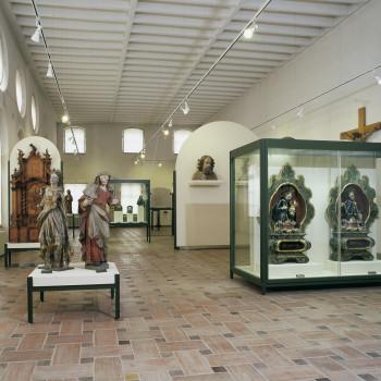 Hier siehst du Beispiele sakraler Kunst in der Abteilung Stadtgeschichte.