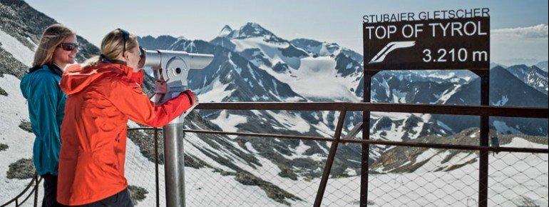 Das Viscope-Fernrohr zeigt die Bergnamen an.
