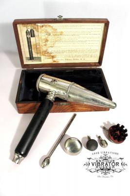 Nicht unbedingt auf den ersten Blick ersichtlich - einer der Vorläufer des Vibrators aus dem späten 19. Jahrhundert.