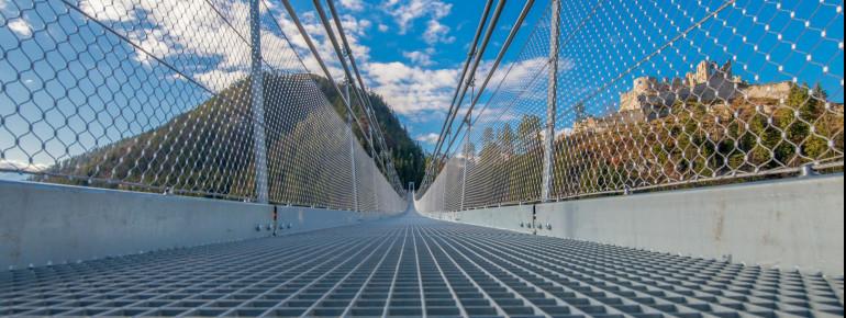Die Gehwegbreite der highline179 beträgt 1,20 Meter.