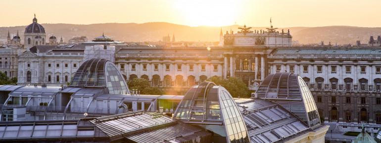 Die Hofburg ist mit 240.000 m² einer der größten Palastkomplexe der Welt.