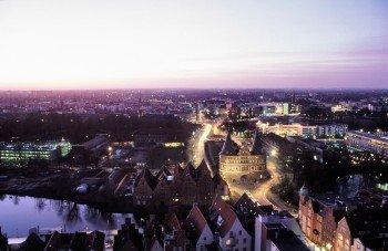Holstentor zu Lübeck bei Nacht