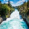 Die Huka Falls sind eine Kaskade von Wasserfällen im Flusslauf des Waikato Rivers.