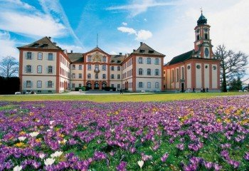 Das Deutschordenschloss mit Schlosskirche