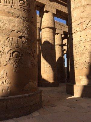 Besonders imposant: Die Säulenhalle des Amun-Re