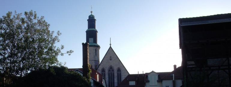 Blick auf die Kornmarktkirche vom Gerberviertel