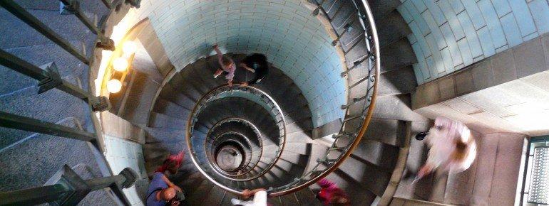 307 Stufen führen im Inneren den Leuchtturm hinauf.