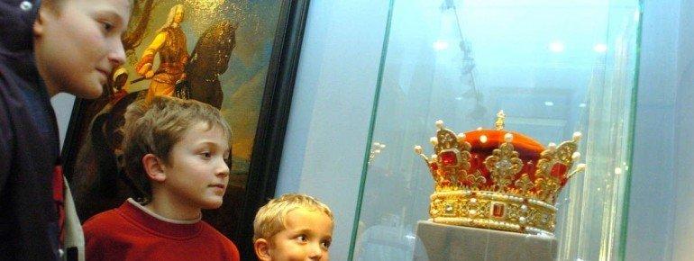Die Replik des Fürstenhutes im Landesmuseum