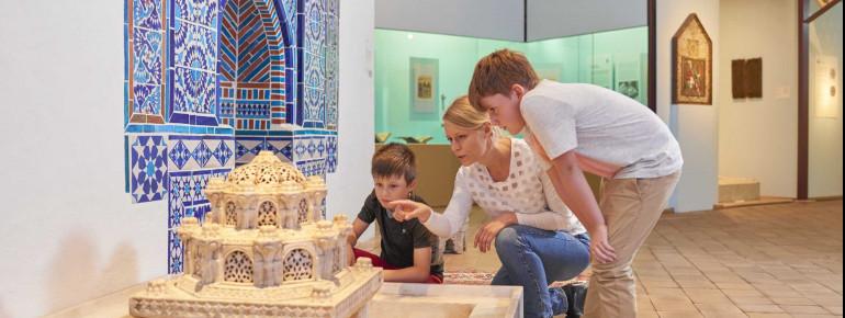 Auch eine Orient-Abteilung gibt es im Linden-Museum.