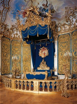 Das berühmte blaue Schlafzimmer im Schloss Linderhof