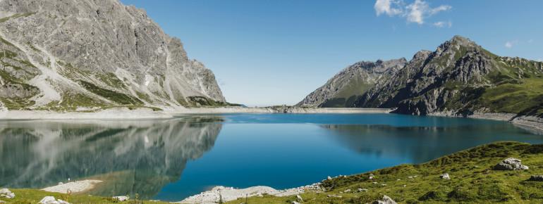 Der Lünersee ist einer der größten Seen im österreichischen Bundesland Vorarlberg.