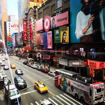 Blick auf den Times Square von Madame Tussauds aus.