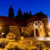 Nutze die besondere Abendstimmung und nimm an einer der Nachtführungen am Dom teil.